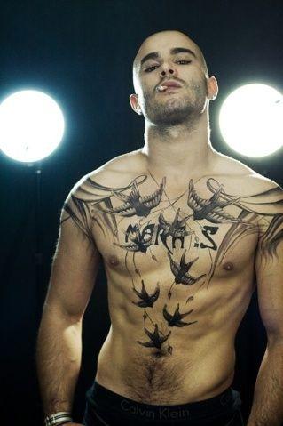 Crimes estampados na pele: descubra os significados de 37 tatuagens de cadeia | Virgula