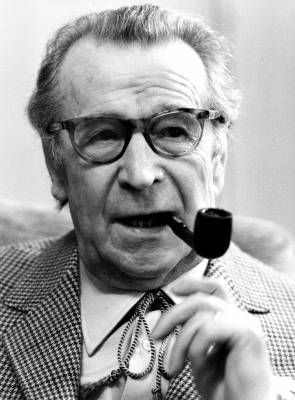 † Georges Simenon (February 12, 1903 - September 4, 1989) Belgian writer, o.a. known from Maigret.