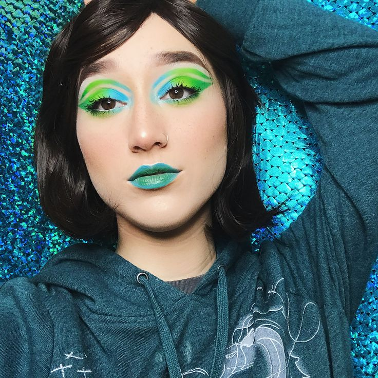 BULBASAUR   hello its me the human form of inconsistency. but Ive got a fun little mini series to makeup for it! its the three original pokemon starters!!! Im either the human embodiment of these pokemon or Im the gym leader who just so happens to have a starter who matches my makeup whichever works for you tbh        {FACE:  @hardcandylife 12 hour primer  @elfcosmetics flawless foundation  @colourpopcosmetics no filter concealer  @glossier wowder  @wetnwildbeauty coverall powder…