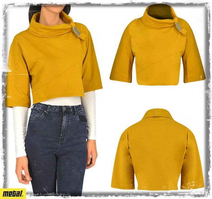 Γυναικείο crop-top μπλουζάκι με γιακά και μεταλλική λεπτομέρεια. Διαθέσιμο σε: Moυσταρδί, Μαύρο. Μέγεθος: Οne Size. #metal #metaldeluxe #croptop #sale #shopping #shoppingtherapy #discount #offer #lowprice #fashion #clothes #winter #happy #style #mensfashion #womensfashion #fashionista #newarrivals #mensclothes #womensclothes #moodoftheday #picoftheday #chic