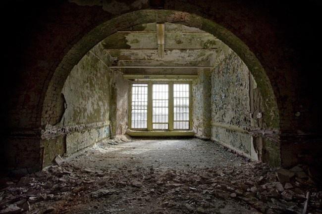 Fotos assustadoras de instituições para doentes mentais abandonadas