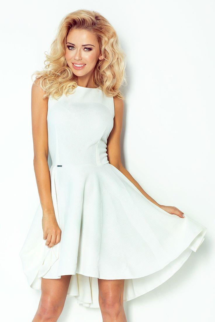 Ekskluzywna sukienka uszyta z wysokiej jakości materiału - gruba lacosta. Sukienka pięknie podkreśla kobiece kształty.  #modadamska #moda #sukienkikoktajlowe #sukienkiletnie #sukienka #suknia #sukienkiwieczorowe #sukienkinawesele #allettante.pl