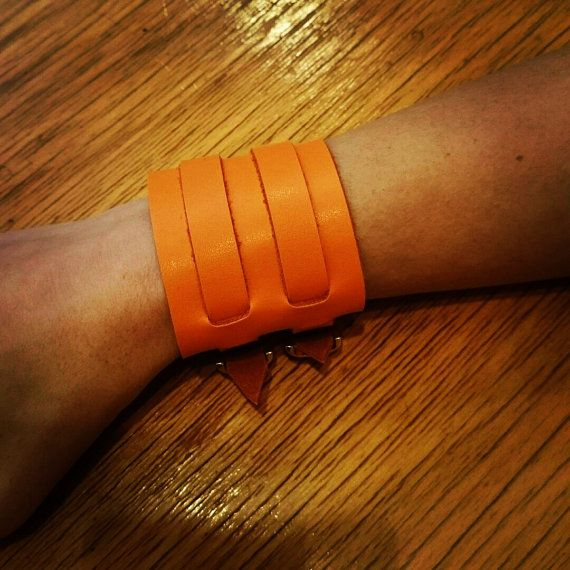 Leather wristband with 2 buckles by kutilajos on Etsy