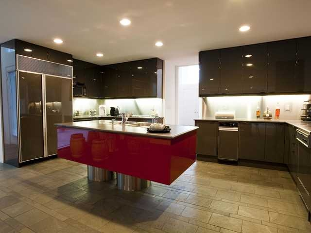 I swear I saw this kitchen in Paris, and here it is in Edmonton Edmonton Property Listing: MLS® # E3294039