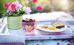 10 alimenti che dovremmo mangiare a colazione e 10 alimenti che dovremmo evitare Si sa la colazione è il pasto più importante della giornata ma non è soltanto dovuto al fatto che alimentazione salute benessere