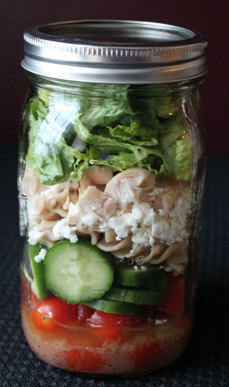 The Ultimate Mason Jar Salad Tutorial and Recipe Round Up