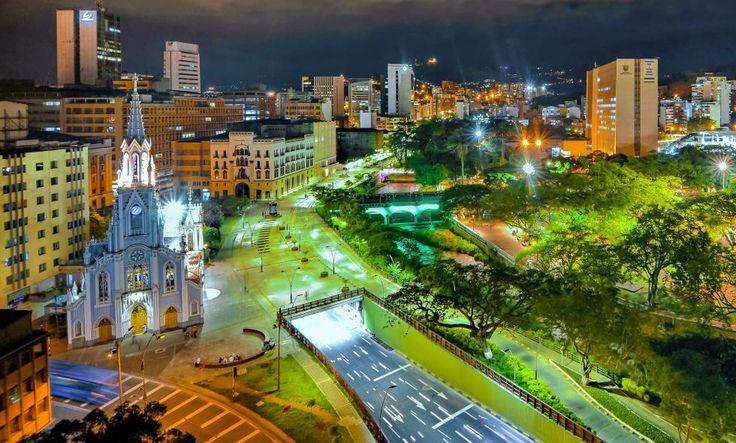 Vista panorámica del Bulevar del Río, en el centro de #Cali. #Colombia  Foto: Jorge Orozco / El País
