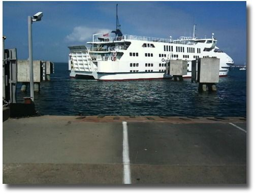 Sorrento/Queenscliff ferry docking at Sorrento Victoria Australia compliments of http://www.flickr.com/photos/mrpbps/4330059378/
