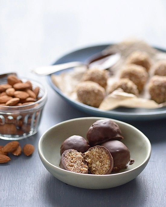 Almond Tahini Truffles from Superfoods 24/7 | A Dash of Compassion