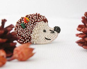 GERESERVEERDE broche handgemaakte kralen kralen door ArtBeadedHouse