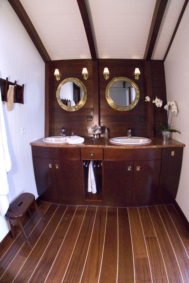 les 25 meilleures id es concernant salle de bains de la marine sur pinterest d coration salle. Black Bedroom Furniture Sets. Home Design Ideas