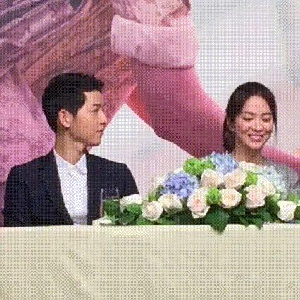 """Song Joong Ki & Song Hye Kyo Were an Eyeful of Cuteness During """"Descendants…"""