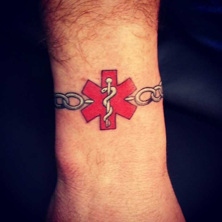 Medical alert braclet tattoo. Sweet. I need one. But how will the Paramedics know what your issue is?