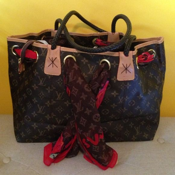 Selling This Quot Louis Vuitton Never Full With Scarf Quot In My