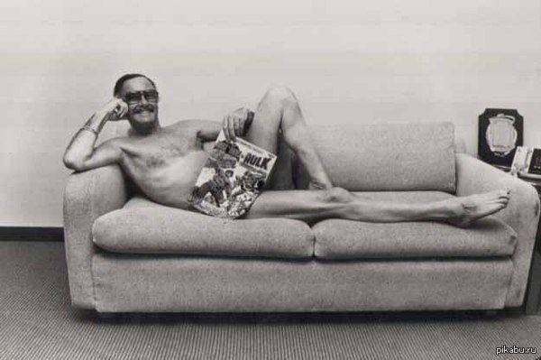 Великий Стэн Ли на заре сексуальности А это фотография великого Стэна Ли на заре его сексуальности. Клубничка думаю не нужна.  стэн ли, Фото, Сексуальность, молодость