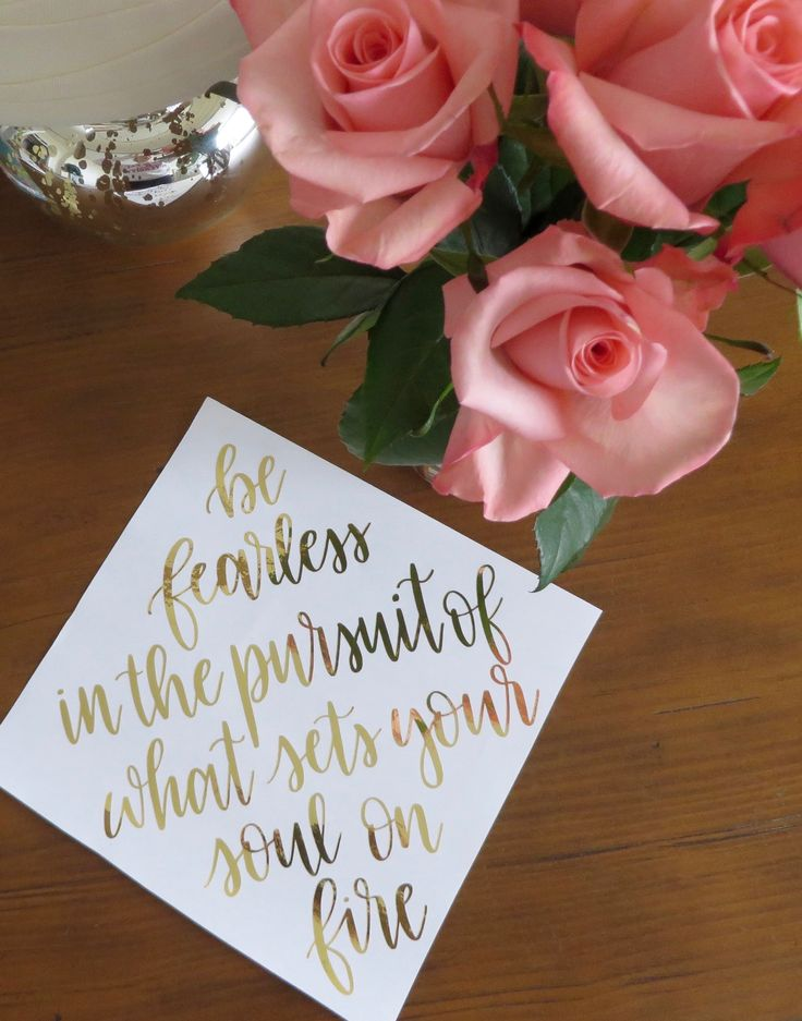 Be fearless in the pursuit of what sets your soul on fire // custom graduation cap calligraphy // handlettering, cursive, gold, decoration, grad, hat, quote