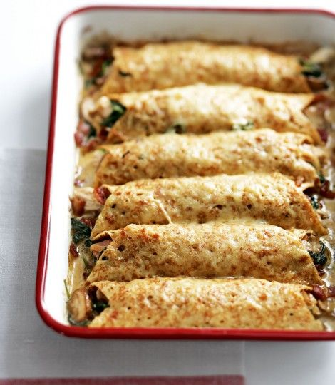 Creamy-chicken,-spinach-and-pancetta-pancakes