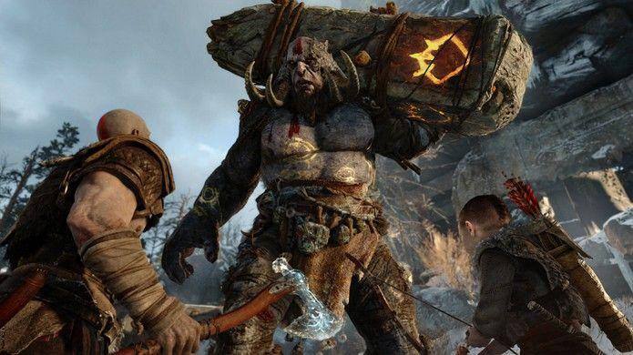 Kratos luta rapidamente contra um inimigo no novo God of War, mas o trailer é dedicado à ligação com seu filho (Foto: Reprodução/PlayStation Blog)