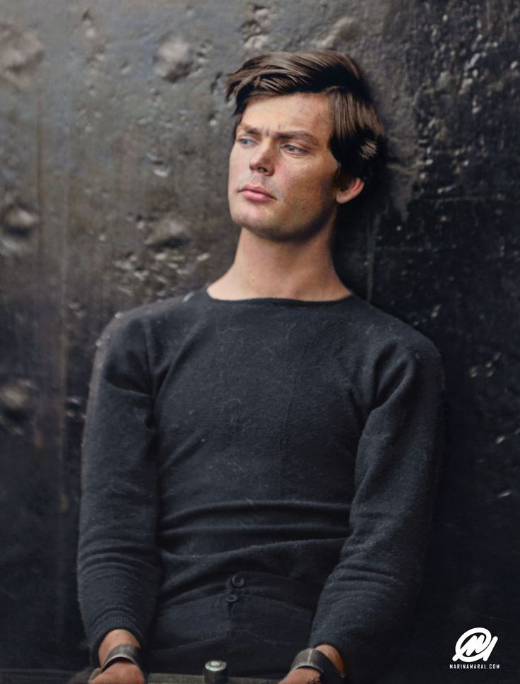 A captivating colorized photograph of Abraham Lincoln assassination conspirator Lewis Thornton Powell, in custody aboard the USS Saugus. Photographed by Alexander Gardner, 1865. By his handsomeness and the modernity of his looks, it's unbelievable that this photo was taken about 150 years ago! Goes to show, the world was not always black and white.