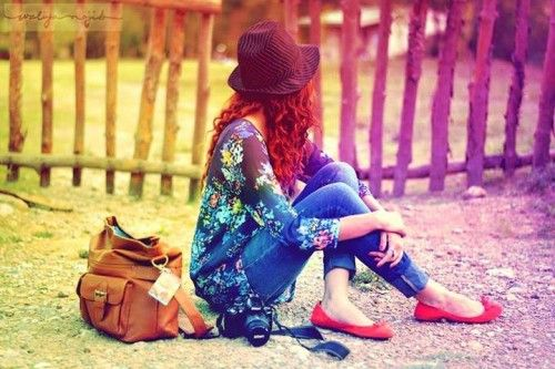 Download latest stylish Facebook Profile Pictures (DPs) for girls - Get new collection of beautiful Stylish FB Profile Pictures for your time-line free.