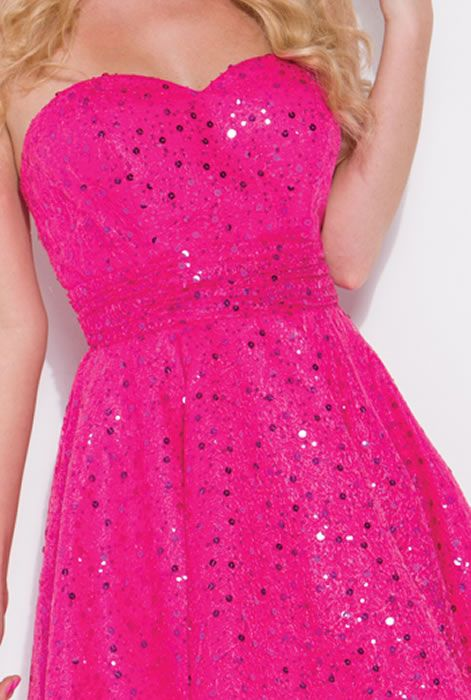 Hot pink dress...........would have to have sleeves for me to wear it, but its still cute!