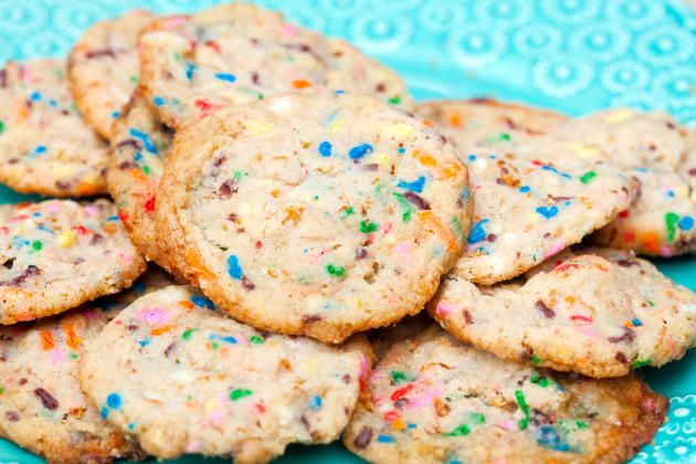 Frosted Flake Funfetti Cookies just made your new year even happier.Celebrate!