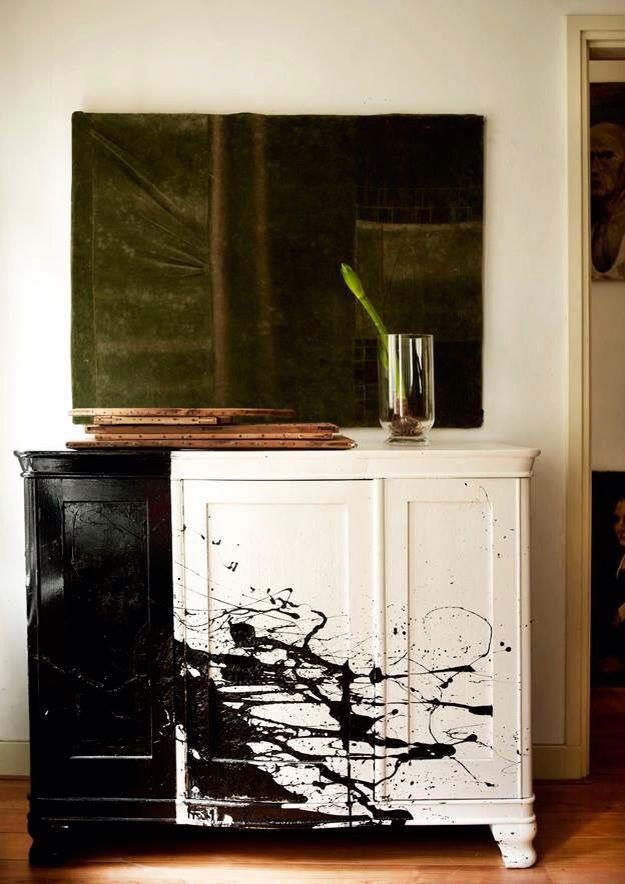 Фото Debi Treloar раскраска шкафа в ручную от Mark & Sally Bailey.