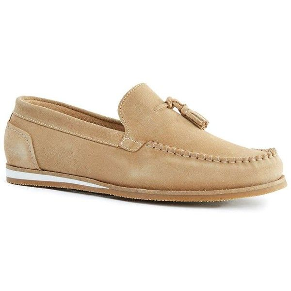 TOPMAN Tan Suede Tassel Loafers (100530 IQD) ❤ liked on Polyvore featuring men's fashion, men's shoes, men's loafers, brown, topman mens shoes, mens brown loafer shoes, mens brown shoes, suede tassel loafers mens shoes and mens tan suede shoes