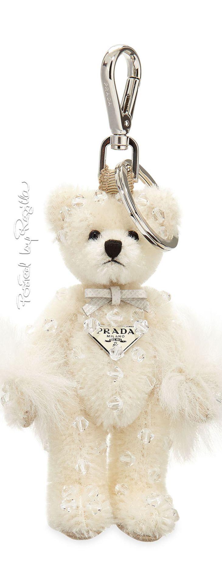 Regilla ⚜ Una Fiorentina in California   Prada, fuzzy teddy bear handbag chram