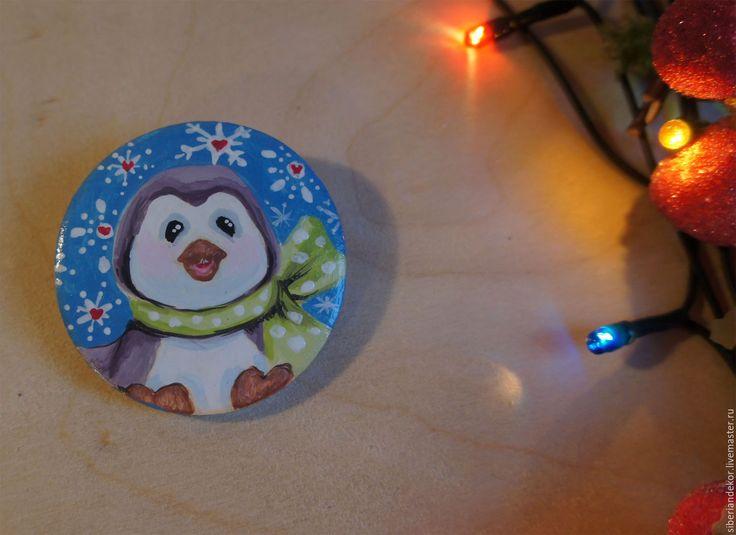 Купить Деревянный значок - комбинированный, сувениры и подарки, сувенир на Новый год, авторская работа, Роспись по дереву