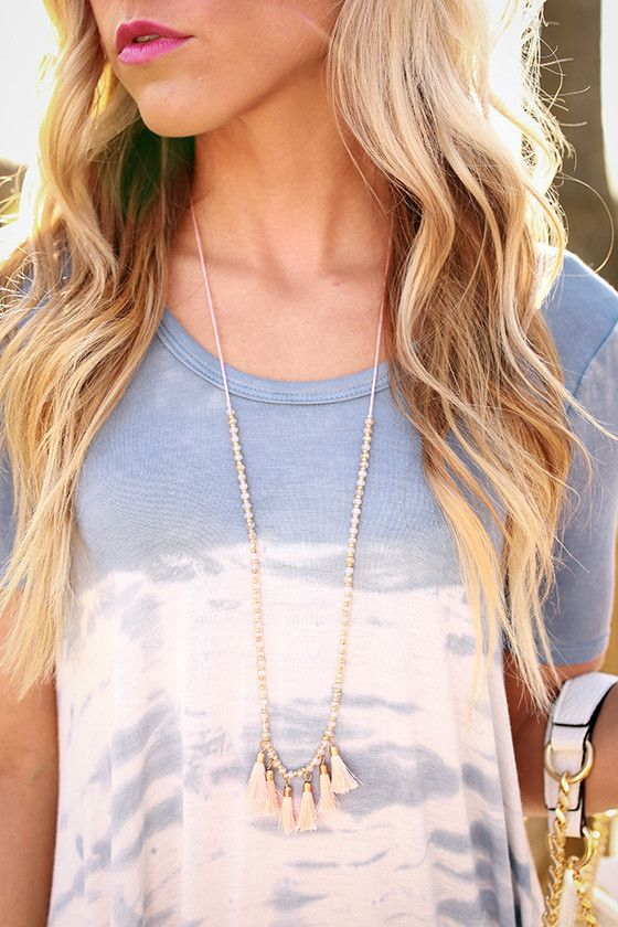 Weekend Fancy Tassel Necklace in Peach Echo