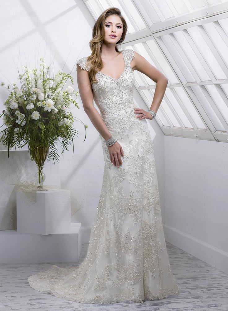 Fabulous Simmone by maggie Sottero is such a glamorous wedding dress You will feel like royalty
