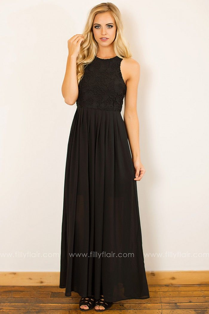 Spectacular This beautiful maxi dress is perfect for attending a fall wedding Just pair with your