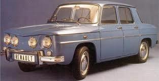 Renault 8 años 70, el primer coche de mi padre, sin cinturones traseros :)