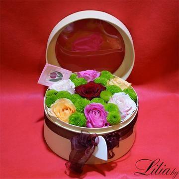 Кутия с прозрачен капак с рози и хризантеми