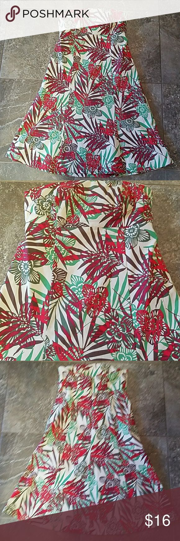"""Tropical Gap Stretch Sundress 97% cotton 3% spandex machine wash cold, measures 15"""" across at top and 30 1/2 """" back Center length GAP Dresses Strapless"""