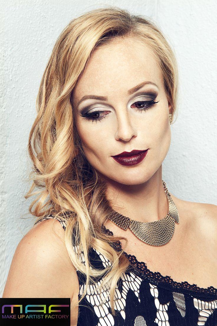 ©MAF - Make-up Artist Factory  Mehr Infos über uns:  www.visagistenschule.de