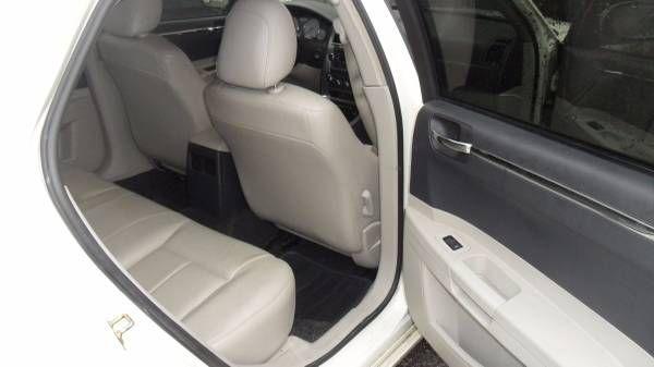 2006 Chrysler 300 Touring (Thornhill) $1350