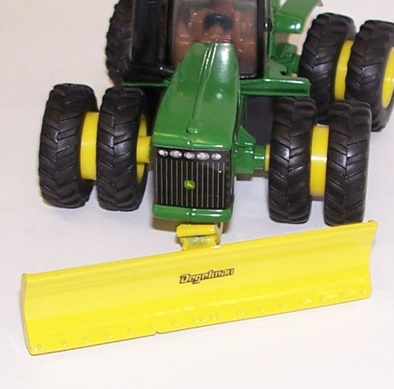 This site has a lot of farm tractors, implements and buildings. Very low prices 1/64 Farm Toys (Part 3)