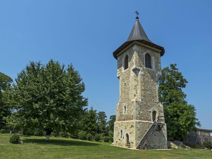 Turnul clopotniță al Mănăstirii Popăuți (1496), Str. Ștefan cel Mare 41, Botoșani