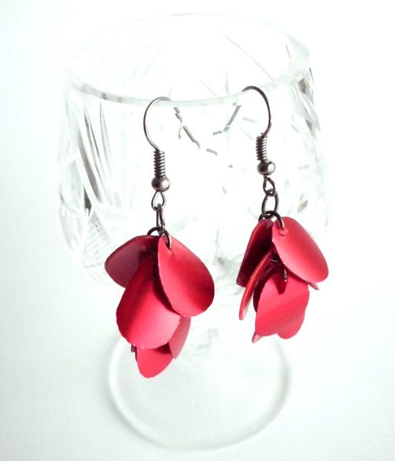 Rose red black earrings made of recycled plastic bottle - Plastic bottle jewelry making ...
