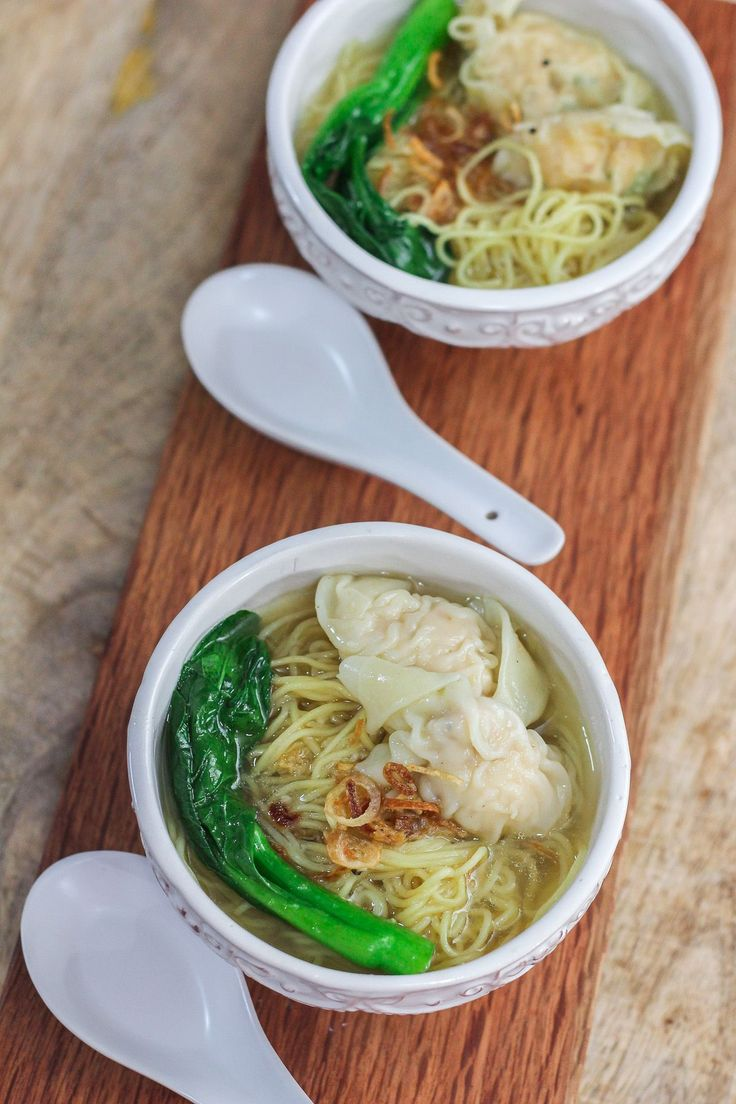 Wonton Noodle Soup - with chicken and shrimp, no pork!