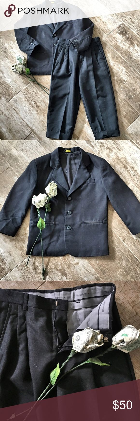 Liz Claiborne Boy's Black Dress Suit Liz Claiborne Boy's Black Dress Suit - Coat & Pleated Pants - Size 8 Regular - Excellent Condition - 80% Polyester - 20% Rayon Liz Claiborne Matching Sets