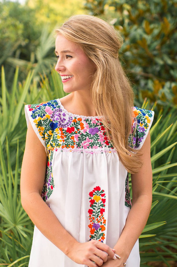 mi golondrina, embroidered mexican dress, mexican top, mexican dress | mi golondrina girls | how to style an embroidered dress | how to wear an embroidered dress | summer fashion | summer style | fashion for summer | style ideas for summer | warm weather fashion | fashion tips for summer || a lonestar state of southern