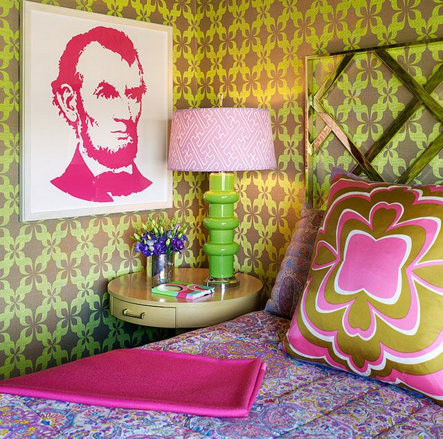 """Let's talk about """"kitsch"""" style - Home decor.... The kitsch decor is a modern movement that most people do not know or do not know exactly what it is. This current comes from pop art born in England and the United States. It is characterized by an abrupt break with all traditional flows.... It's timeless."""