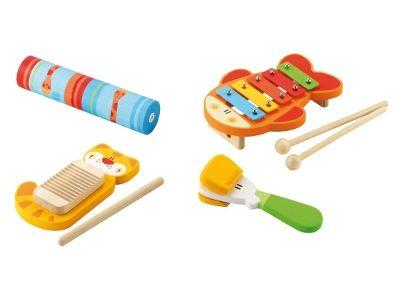 Set Rhythm & Sound Sevi, tutto quel che serve per fare musica! Il set è composto da 4 strumenti: uno xilofono a forma di pesciolino, un guiro a forma di gatto, un clapper che gioca col becco di una paperella e il delicato suono del bastone della pioggia.