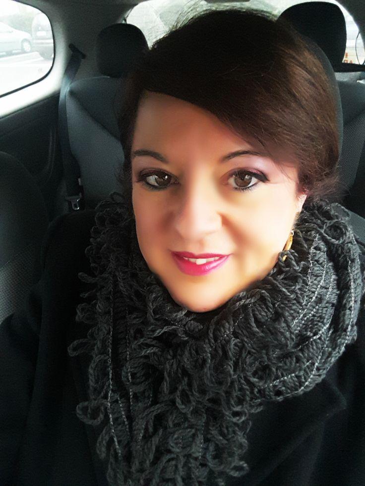 Per la mia mattinata in centro avevo un look pratico ma elegante e il Makeup non poteva essere da meno. Questa mattina ho scelto un makeup in rosso.