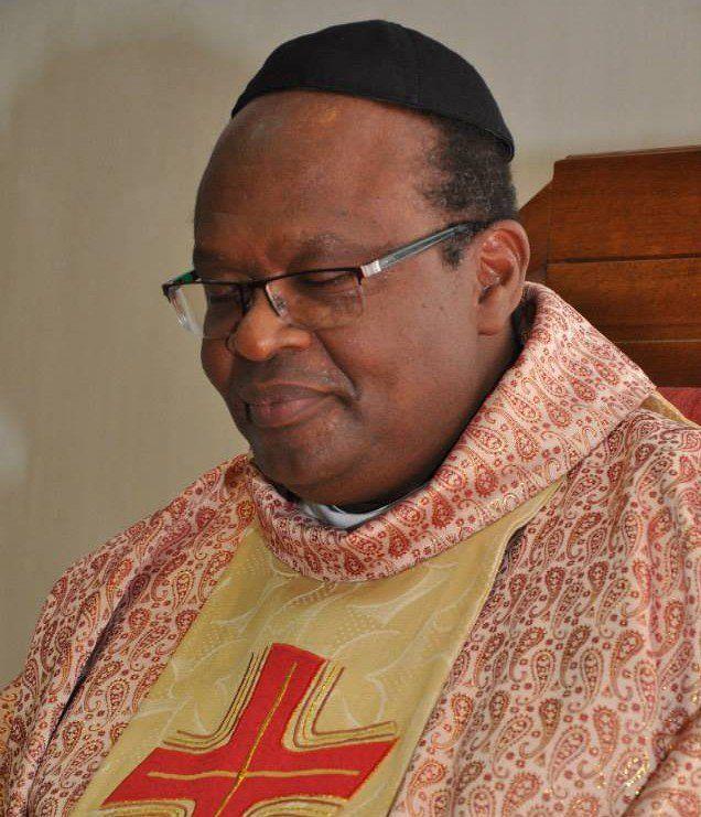 O padre Wilson Ramos foi transferido cidade por ter causado descontentamento em alguns fiéis; segundo ele, decisão é racista – saiba como denunciar.