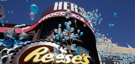Best Desserts in Las Vegas? I'm there! Here is a Chocolate Lover's Guide to Vegas