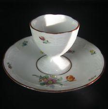 Nymphenburg Porzellan Eierbecher Blumendekor Handbemalt Porcelain Egg Cup +